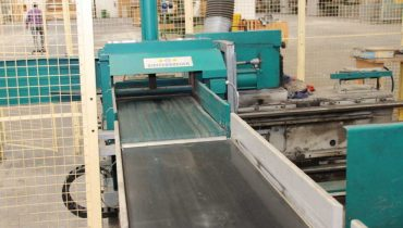 Automatic Finger Joint line DIEFFENBACHER Finger Jointer – KVH production
